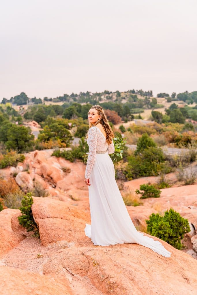 bridal portraits in Garden of the Gods